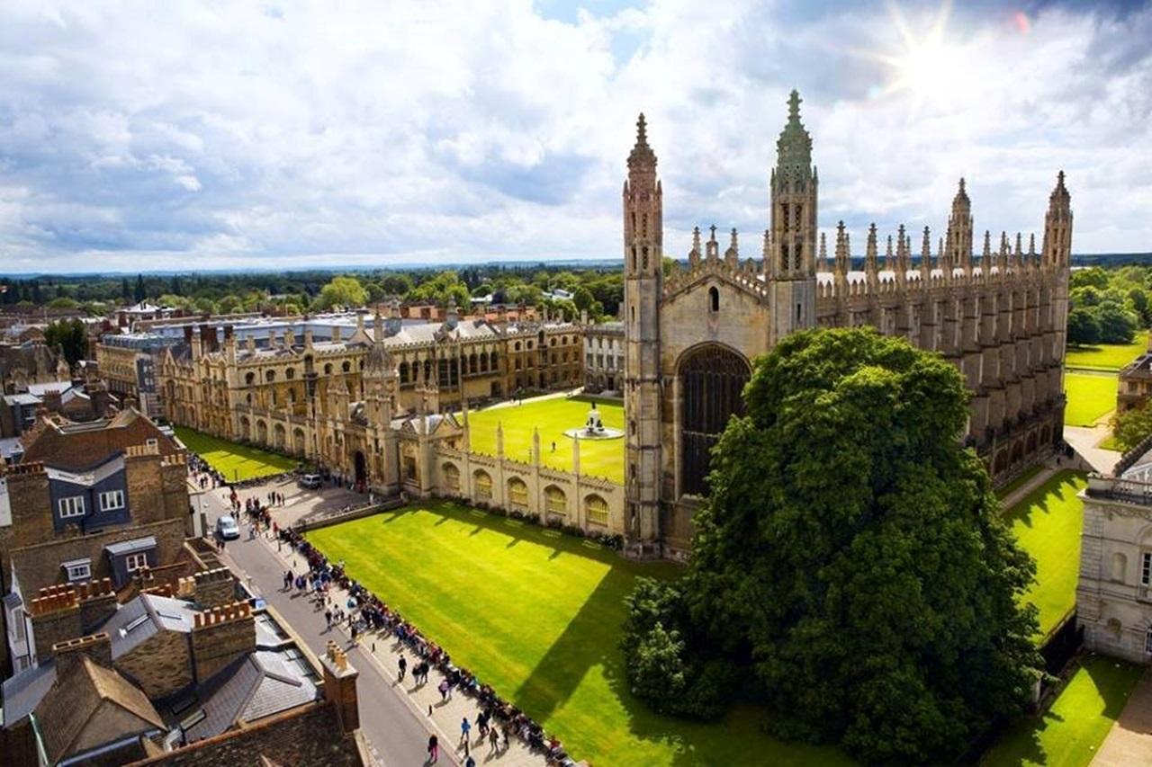 4 trong 6 trường tốt nhất thế giới là ở Anh Quốc