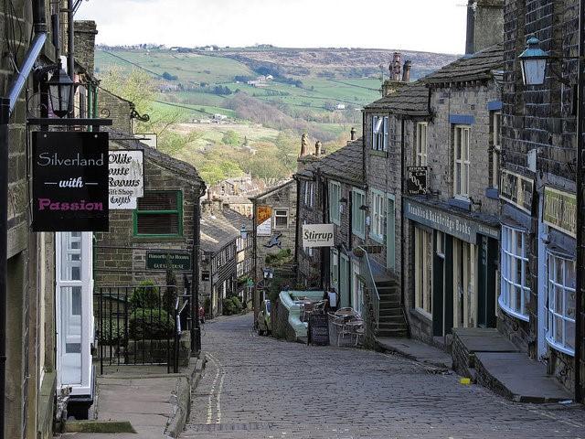 Ngôi làng Haworth huyền bí. Ảnh: flickr