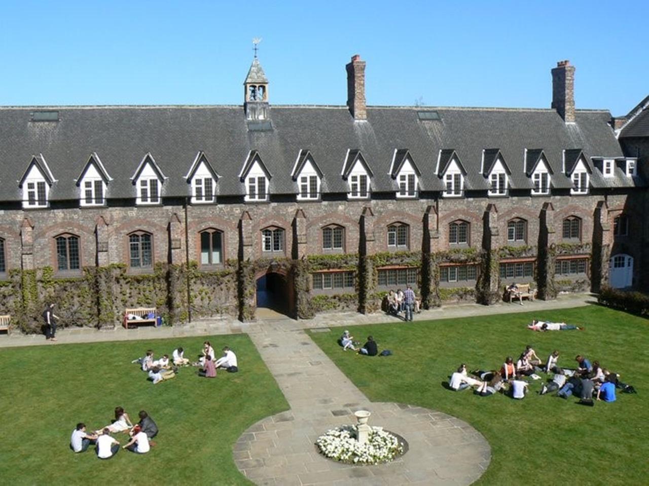 Đại học York St John thơ mộng