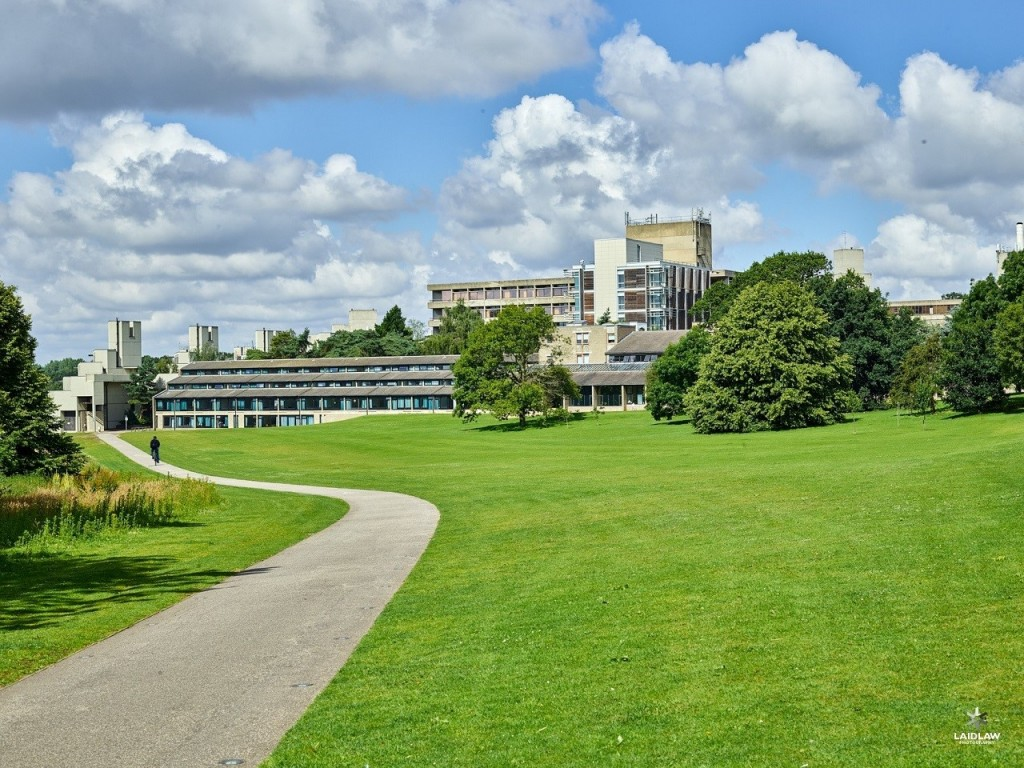 Đại học East Anglia xinh đẹp với khuôn viên rộng hơn 200 hecta