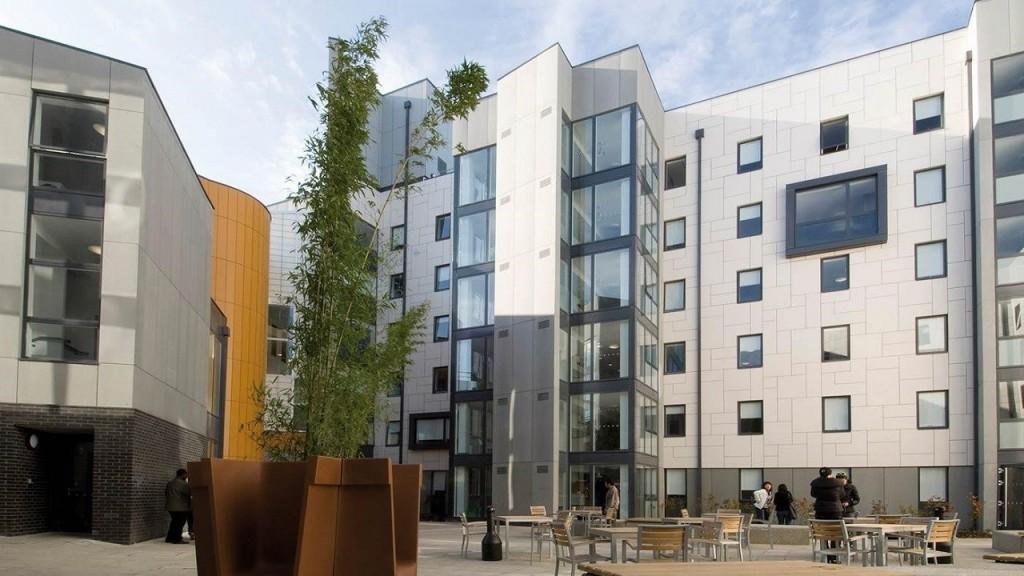 Trung tâm học thuật của INTO UEA tọa lạc ngay trong khuôn viên rộng lớn của UEA