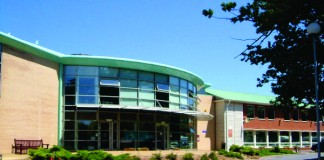 PDIC - Trường Cao đẳng quốc tế Plymouth Devon1